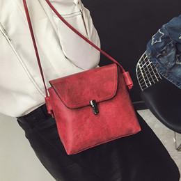 8b5e25211ce5 Femmes petits sacs 2018 été nouvelles filles pu messager sacs dame sac à  bandoulière circulaire mini sacs à bandoulière pour les femmes