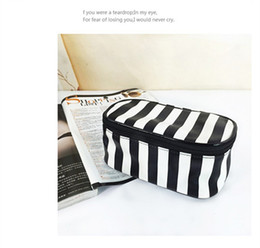 Wholesale black white check fabric - fashion outlet handbag in black and white with lock women single shoulder bag pixel bump color brand single shoulder bags free shipping