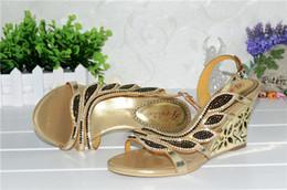 2016 Korean New Summer Gold Wedge Sandals Rhinestone Diamond Sexy High Heels Wedding Shoes Good Qualities VQH