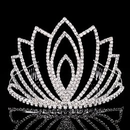 Wholesale Red White Wedding Tiaras - Beautiful Shiny Crystal Bridal Tiara Women Party Pageant Silver Plated Crown Hairband Cheap Wedding Accessories 2017