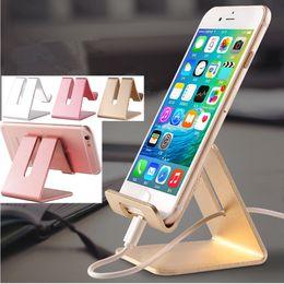 cuna de carga del teléfono celular Rebajas Creativo Lazy Cell Phone Holder iPad Tablet Desktop Charging Cradle Universal Smartphone Pallet Racks Titulares 2587