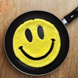 Wholesale Big Novelty Ring - Fried Egg Mould Big Smiley Face Shape Silicone Non Toxic Novelty Omelette DIY Breakfast Pancake Eggs Mold Practical 2 8tt F R