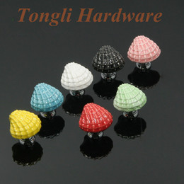 Wholesale White black pink red green blue yellow seashell ceramic door knob cabinet handle drawer pull fun kid furniture