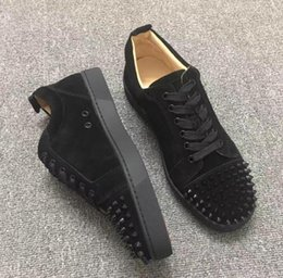 Wholesale metal buckled sneakers - 2018 fashion black suede & metal studded spikes casual shoes for men and women low top sneakers with soft bottom,genuine leather 36-47