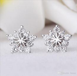 orecchini di fiocco di diamanti Sconti Donna donna modelli pentagram orecchini di Natale fiocco di neve versione coreana piena di gioielli con diamanti ipoallergenico orecchio femminile Spot