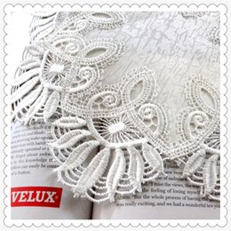 Wholesale Doily Mats - Wholesale- new fashion 2016 wedding decoration white lace doily as table mat with embroidery flower border 28cm round doilies 12 pic lot