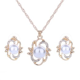 Wholesale Pearl Necklace Earing Set - Flower leaf earrings necklace set Pendant White Round Freshwater Pearl Pendant Crystal Necklace & earing Fashion Jewelry For Women