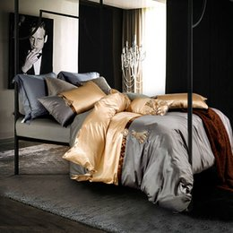 Wholesale Bedsheets Queen Size - Wholesale- noble fashion bedding sets silver golden fringing print linens silk bamboo fiber Queen King size duvet cover sets bedsheets