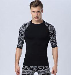 Wholesale men longsleeve - 2017 Men Sports Running Yoga Tee Training Fast Drying Fitness Tops Compression LongSleeve T-shirts