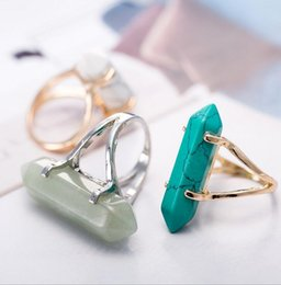 Wholesale Green Gemstones Women Rings - 30pcs Hexagonal Prism Rings Gemstone Rock Natural Crystal Quartz Healing Point Chakra Stone Charms Opening Rings for women men F429
