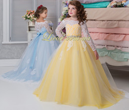 Wholesale Dresse Wedding Ball - Lace Beaded 2017 Flower Girl Dresse Long Sleeves Ball Gown Vintage Tulle Little Girls Pageant Birthday Gowns