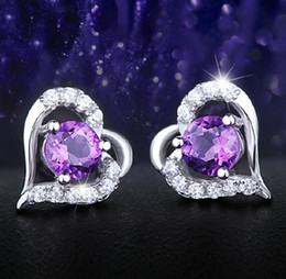 2019 gros charms d'or Boucles d'oreilles de mariage Stud pour les femmes Purple Crystal Love Heart Charms Bijoux d'oreille 30% 925-Sterling-Silver Big White Overlay Earring 170790 promotion gros charms d'or