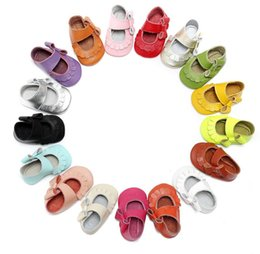 Wholesale 1year Baby Girls Shoes - Toddler shoes baby girls side bow Genuine cow leather moccasins Sweet 0-1year first walkers soft sole Slip-on prewalkers 2017 birthday Gifts