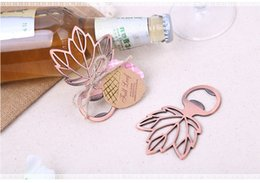 Wholesale eco friendly favors - Hollow Maple Leaf Design Bottle Opener Wedding Party Gifts For Guests Wedding Favors And Gifts Wedding Decoration