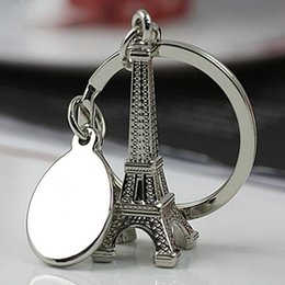 Wholesale Wholesale Eiffel Towers - Creative Novelty Romantic Eiffel Tower Keychain metal keyring charm Trinket alloy key holder Friends Gift 240224