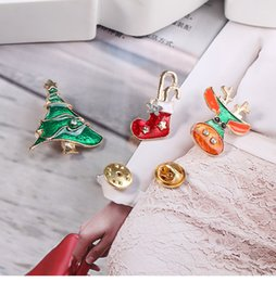 Wholesale Crystal Elk - High quality Christmas tree elk Christmas socks exquisite Christmas brooch set (brooch + horse needle) factory direct