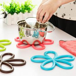 Wholesale Wholesale Potting Tables - Wholesale- 1pcs Colorful Plum-shaped Non-Slip Heat Resistant Mat Coaster Pot Holder Table Silicone Mat ZH555