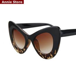Gafas de sol rojas de gran tamaño online-Peekaboo venta al por mayor 2016 cat eye gafas de sol vintage mujer top fashion white oversize sexy cat eye sunglasses para mujeres negro rojo