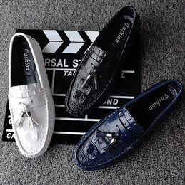 Wholesale Casual Tassel Loafers Men - 2017 Spring Men Shoes Casual Tassel Loafers Men Suede Loafers Pigskin Soft Light Moccasins Weave Slip On Male Driving Doug Shoes