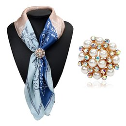 Wholesale Three Pearl Pendant - Wholesale- 2017 New Trendy Gold Plated Wedding Brooch Pins Simulated Pearl Crystal Pendants Jewelry Three Buckle Scarf Clips for Women Gift