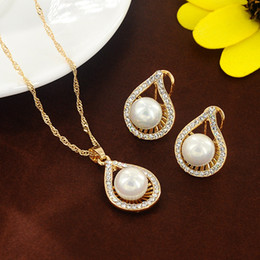 Wholesale Gold Pearls Bride Accessories Sets - Waterdrop Crystal Pearl Bride Necklace Earrings Bridal Wedding Jewelry Set Accessories For Women NE768
