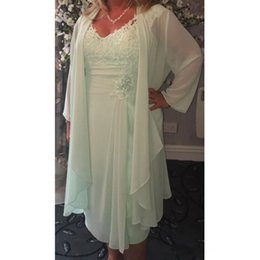 Wholesale Chiffon Tea Length Casual Dresses - Mint Green V Neck Column Short Mother of the Bride Dresses with Wrap Plus Size Casual 2017 Chiffon Evening Gowns Lace Tea Length