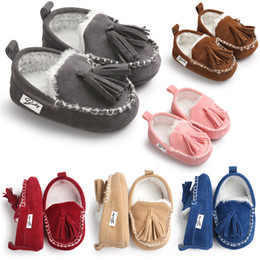 Wholesale Baby Booties White - Mix 6 Colors Handmade Baby Moccasins Warmer Soft PU Coral fleece Baby first walker prewalker booties Toddle Infant Antiskid shoes