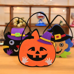 Wholesale Toy Pumpkins - Halloween Pumpkin Candy Bag Trick Treat Cute Smile Basket Face Children Gift Handhold Pouch Tote Bag Non-woven Props Decoration Toy KKA3012