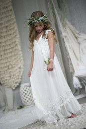Wholesale Short Girls Chiffon Pageant Dresses - 2017 New Boho Flower Girl Dresses For Wedding Communion Dresses Cap Sleeve A-Line Floor Length Beach Chiffon Lace Child Pageant Gowns F059