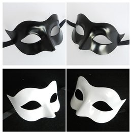 Wholesale Men Masquerade Masks Wholesale - Half Face Facial Mask Celebration Halloween Party Carnival Masquerade Ball Men Retro Roman Military Robot Faces Cosplay Masks