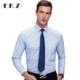 829213e6e8d Venta al por mayor- FKZ 2017 Hombre camisas de trabajo de marca de manga  larga rayas Twill hombres camisas de vestir camisas blancas hombre 4xl  Amisa ...
