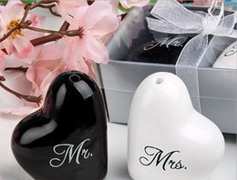 Wholesale Plastic Cap Design - Hot Selling Mr. & Mrs. Salt and Pepper Shaker Ceramic Wedding Favors Presentes Wedding favors Supplies DHL FREE with modern designs