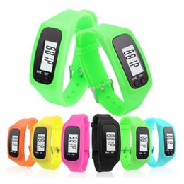 2019 orologi digitali colorati Pedometro digitale a LED Smart silicone Run passo Walking Distance Calorie Counter Orologio elettronico Bracciale a pedometro colorato OTH673 orologi digitali colorati economici