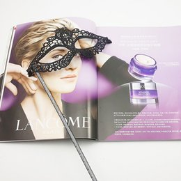 Wholesale Mask Beautiful - Beautiful Sexy Party Mask Flat Lace Surround Eyeliner Masquerade Mask On Stick For Halloween Costume Party Halloween Mask Drop Shipping