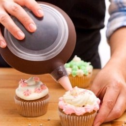 Wholesale Macaron Pen - Wholesale- New Silicone Macaron Baking Decorating Pen with 4 Nozzles Set Kitchen Tools Free Shipping