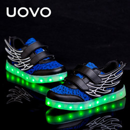 Kids children shoes winged à vendre-UOVO Wing Luminous Shoes Kids USB Chargeur Chaussures Enfants LED Light Up Chaussures Flash Light Sole Boy and Girls Sneakers