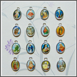 Wholesale metal medals - 100pcs lot Catholic Mixed Saint Images Medals Religioius Alloy Medals for Bracelet Metal Charm Miraculous Maria Divine Mercy Jesus Guadalupe