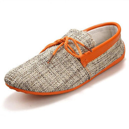 Gli uomini caldi dei pattini casuali di estate online-Mocassini da barca uomo Mocassini in lino Estate Uomo Uomo Bowtie Leggero leggero traspirante Mocassini da uomo Cool Top Cool Driving Shoes Outdoor Casual Shoes