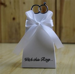 Wholesale Wholesale Cookie Wedding Favors - Romantic Wedding favors Decor Ring DIY Candy Cookie Gift Boxes Wedding Party Candy Box with Ribbon 3 Colors