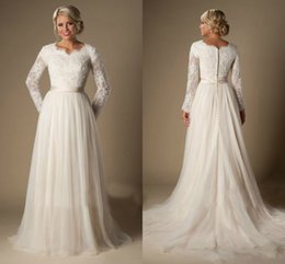 Wholesale Long Dresses Net Neck - Vintage Chantilly Lace Wedding Dresses 2016 Fall Winter Long Sleeves Modest Bridal Gowns Tiered Nets Pleated Skirts Wedding Dress Cheap