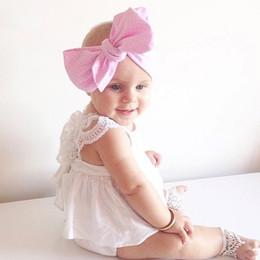 Toptan Satış - Bebek kız giysileri çocuk giyim gündelik Çocuk Giyim Bebek seti Dantel Papyon kolsuz Şerit Elbise Şort setleri + Şort Elbise cheap baby clothes wholesale stripes nereden bebek kıyafetleri toptan şeritler tedarikçiler