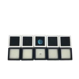 Wholesale plastic jewelry cases - 100Pcs Plastic Loose Diamond Display Package Box Square White Gem Case Black White Foam Pad Beads Pendant Box White Gem Showcase 3*3*2 cm