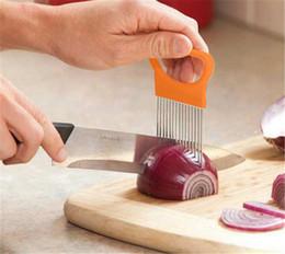 1 pcs Facile Cut Onion Holder Fourchette En Acier Inoxydable + En Plastique Légume Trancheuse Tomate Cutter En Métal Viande Aiguille Gadgets Viande Frok Cuisine Outils ? partir de fabricateur