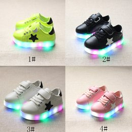 Wholesale Wholesale Flats Shoes For Kids - LED Shoes For Children Kids Lighting Sport Running Shoe Casual Star Sneaker Luminous Athletic Flat Shoes girls boys