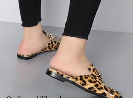 Wholesale Luxury American Shoes - European and American style slippers high quality luxury brand women flat heel slippers Indoor sandals mueller shoes casual sandals yzs168