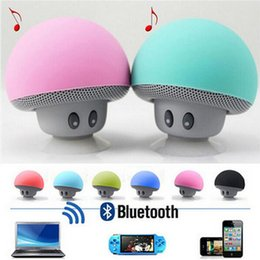 Wholesale Tablet Retail Stand - Portable Bluetooth Speaker Wireless Handsfree Mushroom Speaker With Sucking Disc Bracket for iphone samsung MP3 pad tablet pc with retail