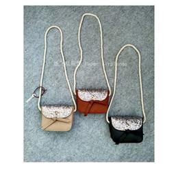 Wholesale Brown Glitter Purses - 2017 INS Children Crossbody Bag for Girls Cool Gold Sequins Bow Kids Fringe Bag Bow Messenger Bags Handmade Small Bag Coin Purse glitter