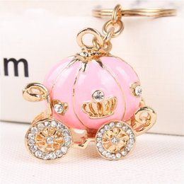 Wholesale Cinderella Carriage Favors - Hot 4Colors Gold Plated Alloy Cinderella Pumpkin Carriage Keychain Key Chain Wedding Favors And Gifts Wedding Souvenirs