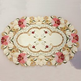 Wholesale Embroidered Placemat - Wholesale- yazi Vintage Embroidered Flower Daisy Lace Oval Doily Fabric Table Placemat 50x33cm Wedding Banquet Party Home Decor