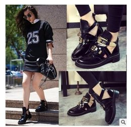 Wholesale European Buckle Boots - European famous brand Martin boots belt buckle designer ankle short boot woman leather Chelsea bootas British style metal buckle boots 217